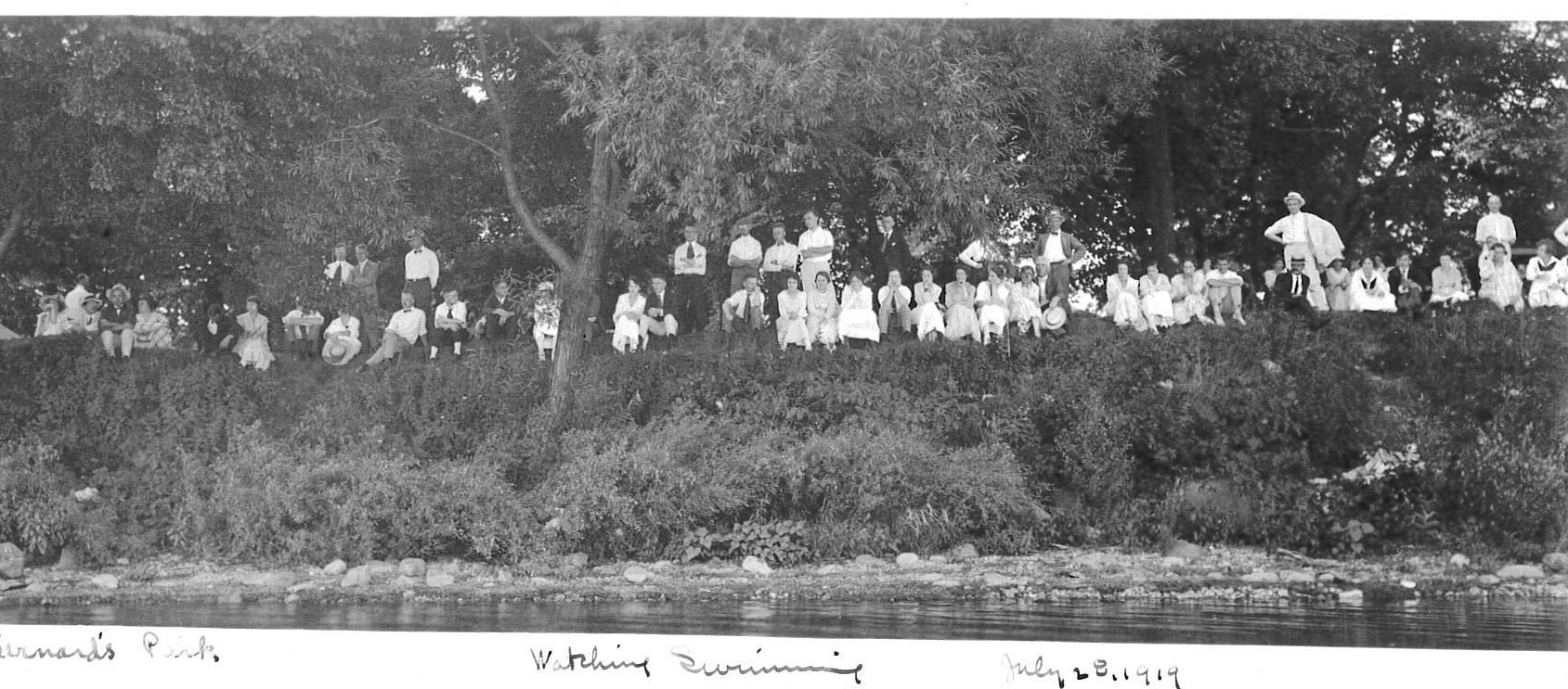1919swimspectators